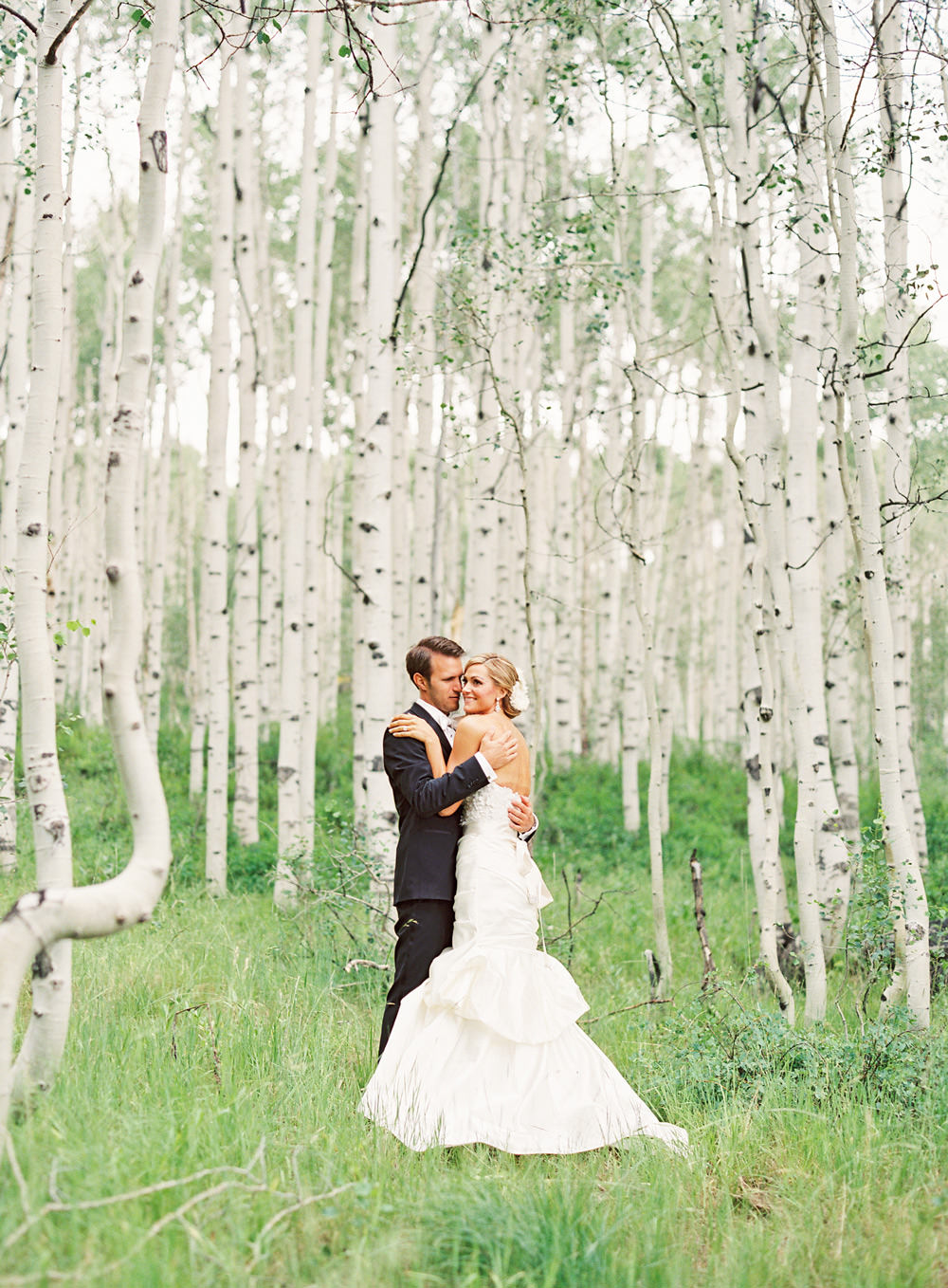 caitlin lindquist of dash of darling shares her wedding at the st. regis deer valley in deer crest, park city utah