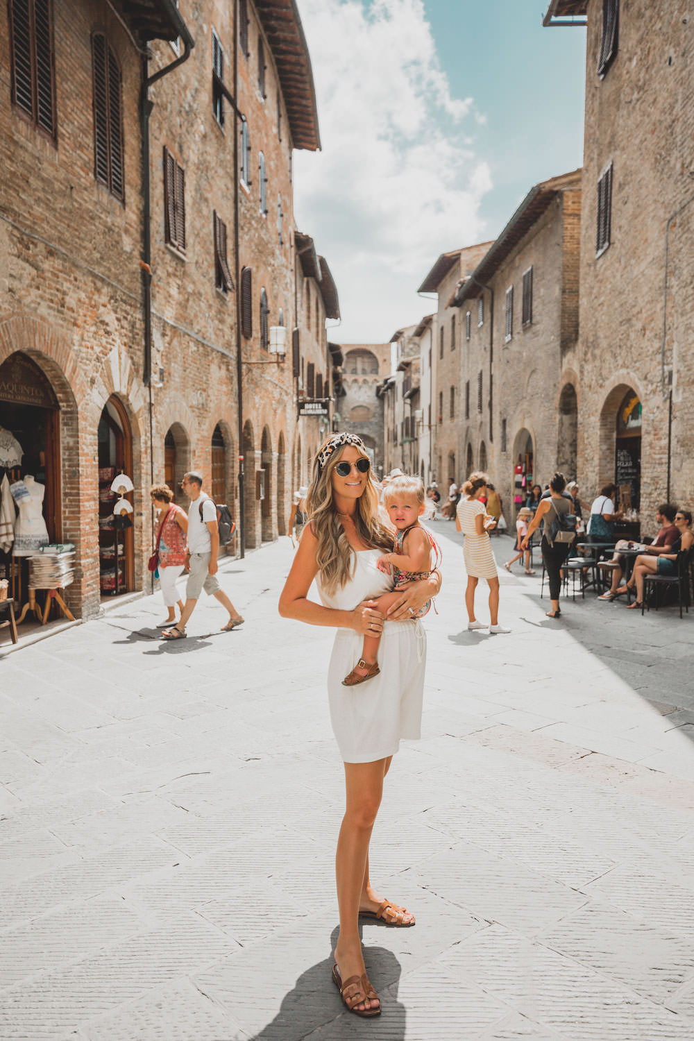 Dash of Darling | San Gimignano Italy travel